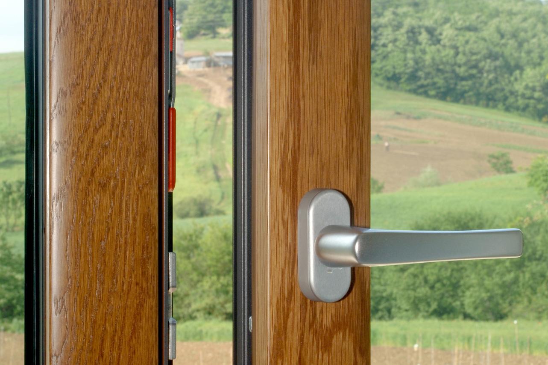 Finestre e porte finestre in alluminio legno finestre e porte finestre renna infissi - Finestre e porte ...